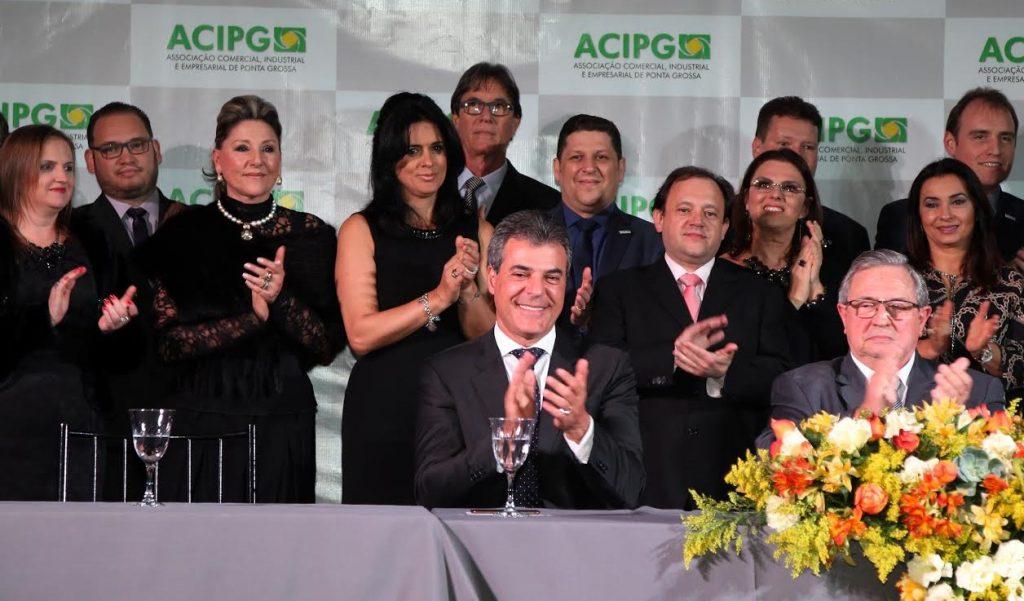 O GOVERNADOR BETO RICHA COM DIRETORIA DA ASSOCIAÇÃO COMERCIAL, INDUSTRIAL EEMPRESARIAL DE PONTA GROSSA - ACIPGDOUGLAS TAQUES FONSECA
