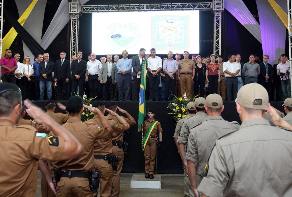 O Governador Beto Richa, participou da solenidade de formatura novos policiais militares e bombeiros, em Ponta Grossa,  campos gerais, Foto Orlando kissner,ANPR, 11/01/2017- Ponta Grossa.